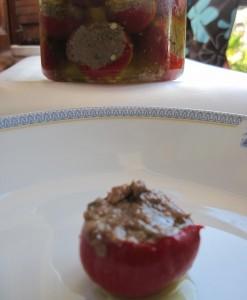 peperoncini piccanti ripieni di tonno acciughe e capperi