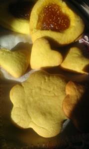 biscottini con marmellata